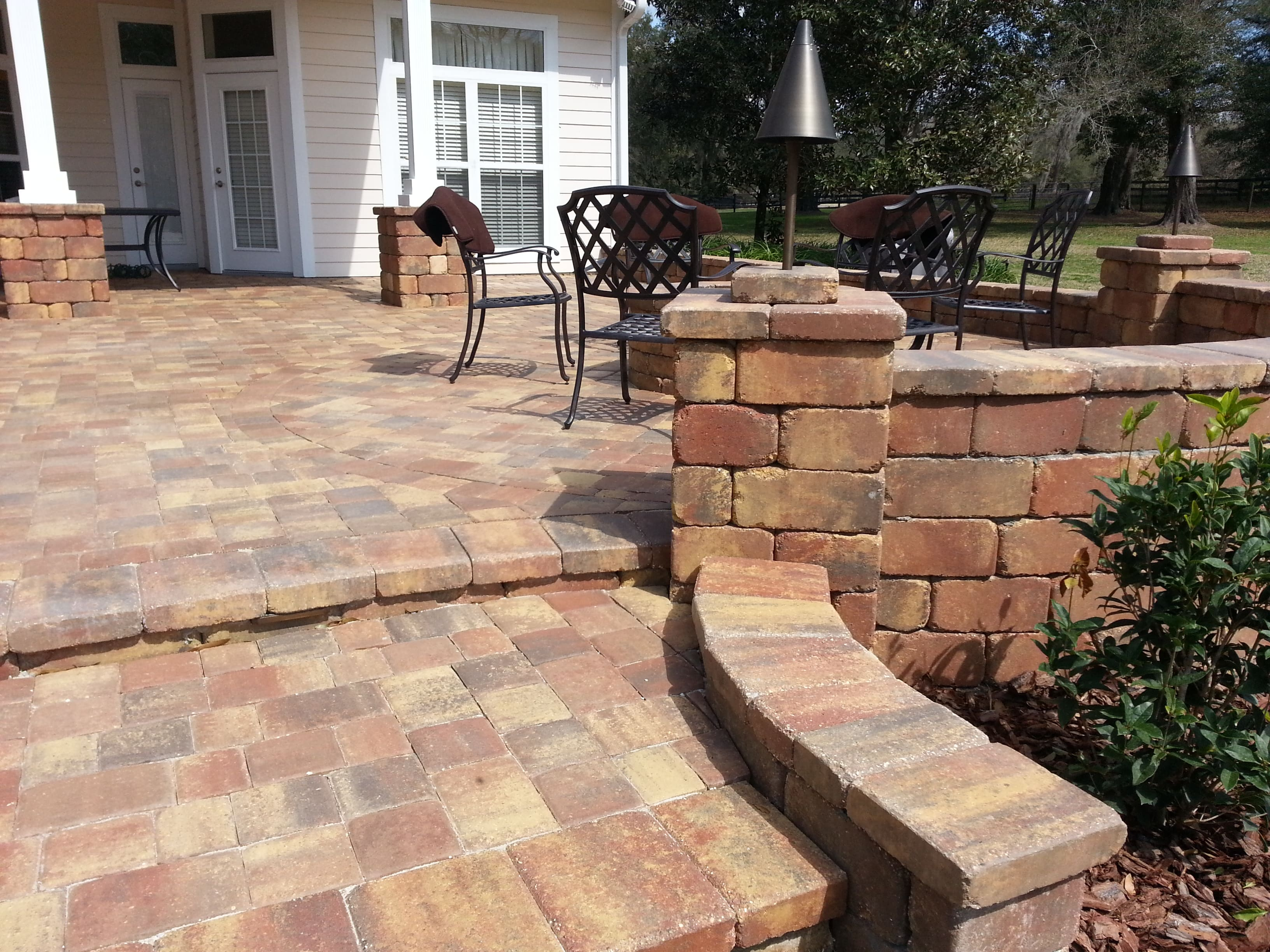 Concrete Patio and Wall in Autumn Blend